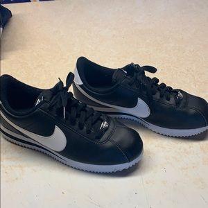 Nike Sneakers Sz 7.5